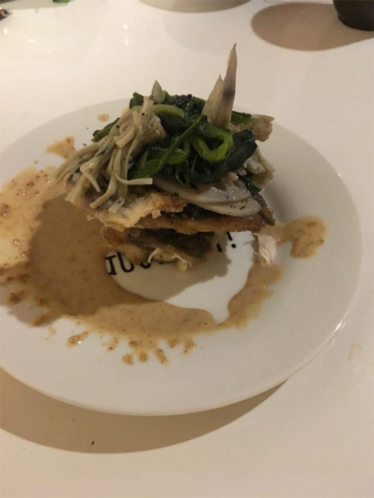青魚のフリッター野菜のせ